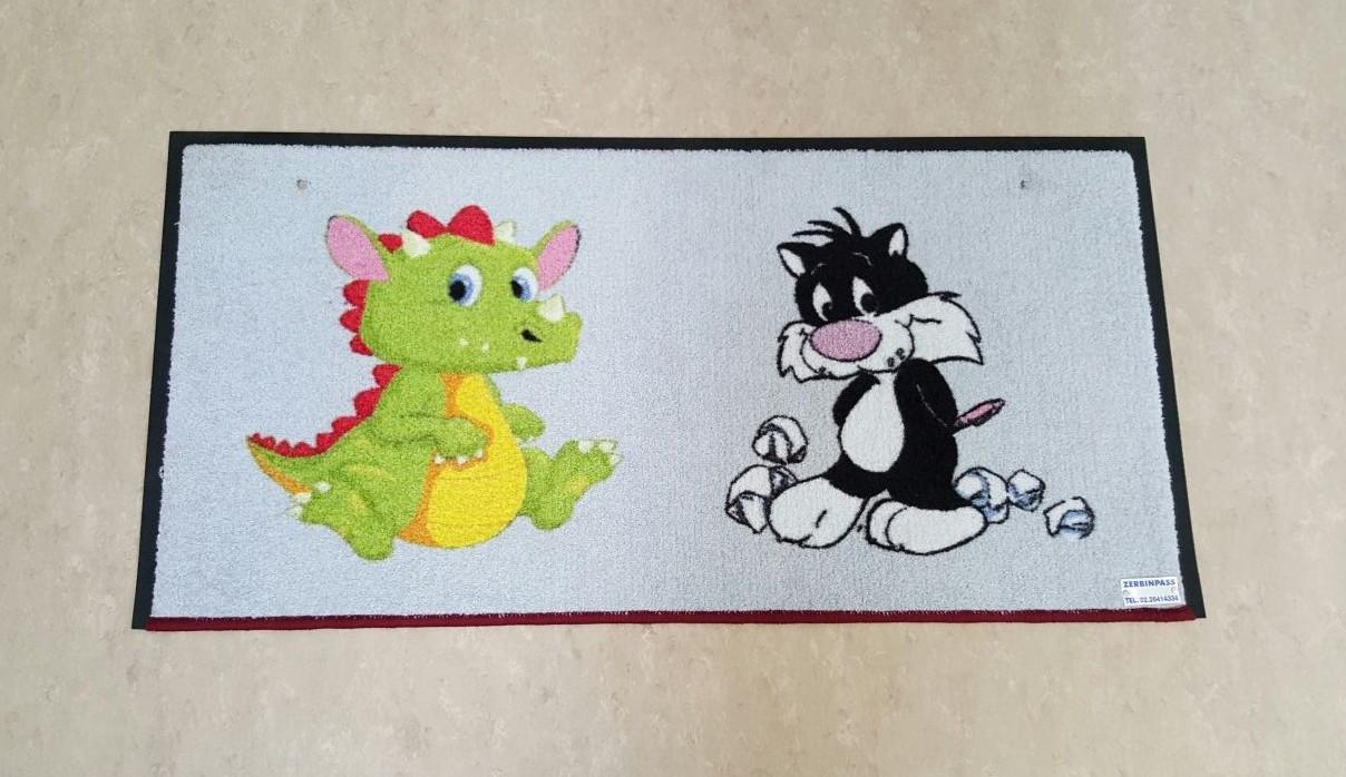 tappeto asciugapass personalizzato a stampa con gatto e draghetto